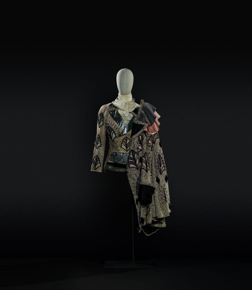7-Lo schiaccianoci di Cajkovskij, Costume di Georgiadis per Drosselmeyer - Il principe (Nureyev). Foto Francesco M. Colombo