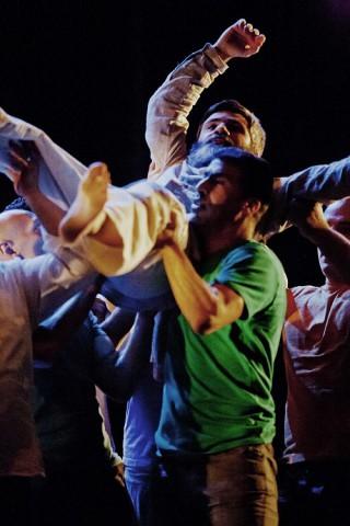 """""""Circostanze"""": la durezza della vita si combatte a passi di danza"""