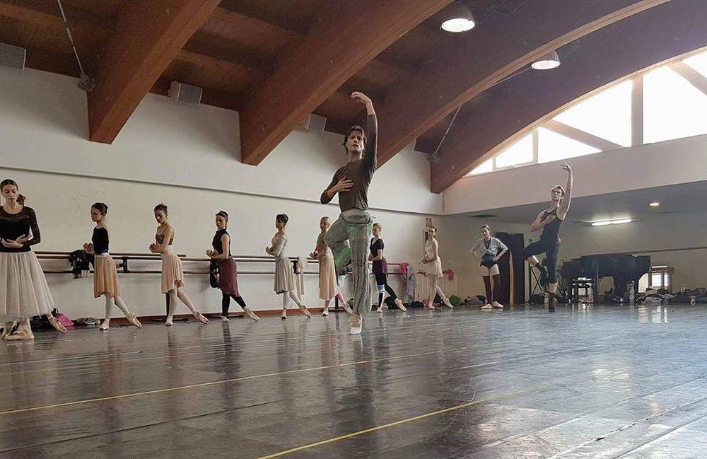 Il Teatro San Carlo vola a Singapore per Giselle
