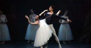 """""""Giselle"""" suggella la stagione 2015 della Scala"""
