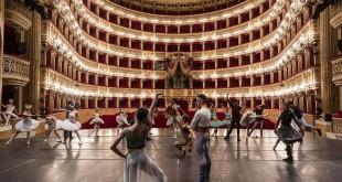 Il Gran Ballo di Cenerentola al Teatro San Carlo di Napoli