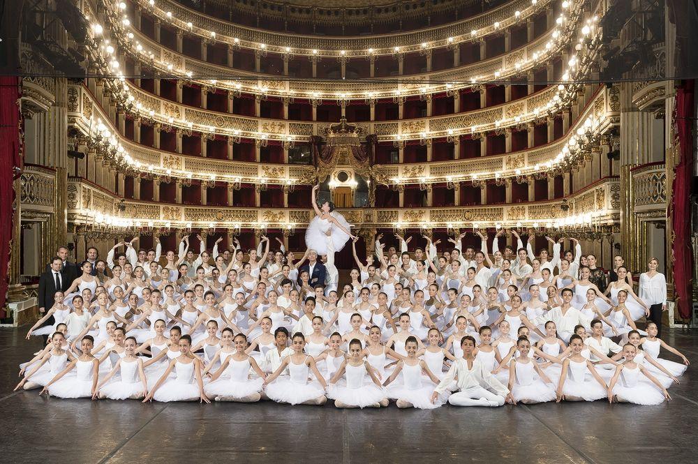 """In punta di piedi: la Scuola di Ballo del Teatro San Carlo di Napoli chiude """"Autunno Danza"""""""