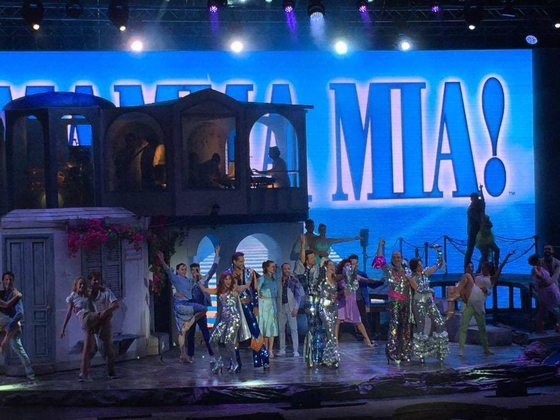 """""""Mamma mia!"""": la versione italiana del celebre musical conquista il pubblico"""